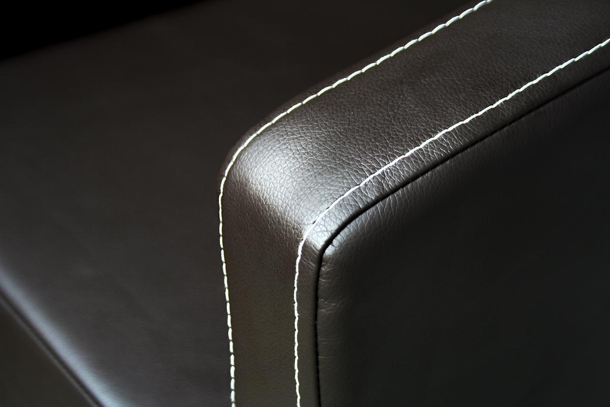 fotel future blisko przeszycia