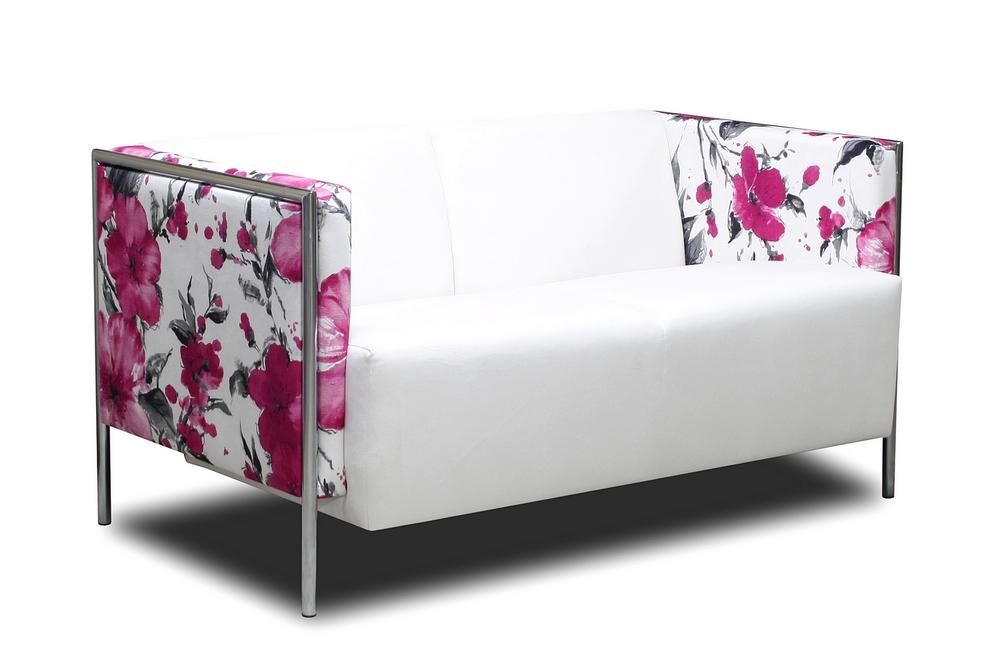 meble kempiński sofa w kwiaty nóżki
